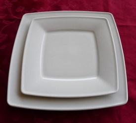 Location petite assiette carrée Victoria